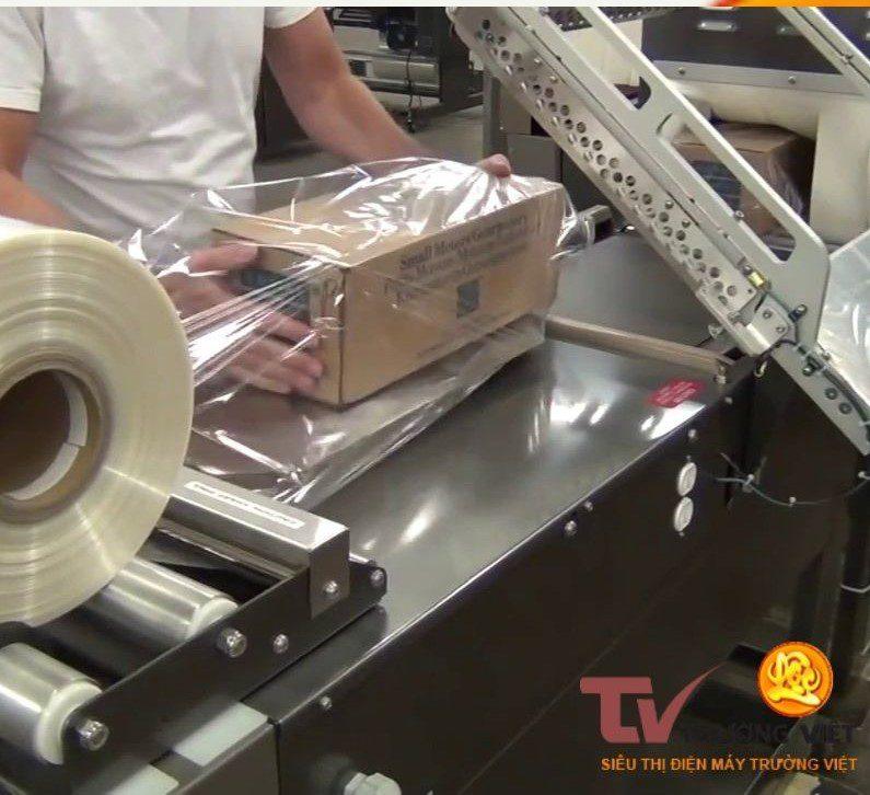 Máy cắt màng co bán tự động sử dụng đơn giản